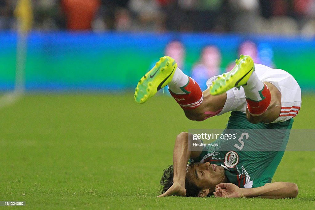<a gi-track='captionPersonalityLinkClicked' href=/galleries/search?phrase=Fernando+Arce&family=editorial&specificpeople=697001 ng-click='$event.stopPropagation()'>Fernando Arce</a> of Mexico reacts during a match between Mexico and Panama as part of the CONCACAF Qualifyers at Azteca stadium on October 11, 2013 in Mexico City, Mexico.