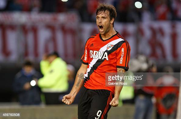 Fernando Cavenaghi of River Plate celebrates after scoring the third goal of his team during a match between Banfield and River Plate as part of...