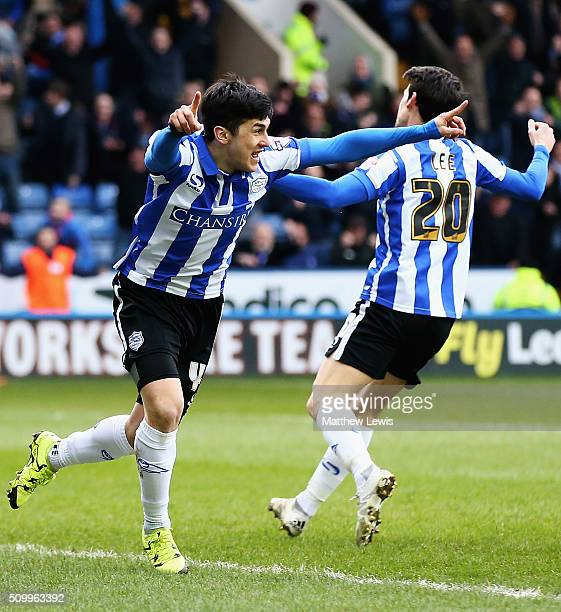 Fernando Forestieri of Sheffield Wednesday celebrates his goal during the Sky Bet Championship match between Sheffield Wednesday and Brentford at...