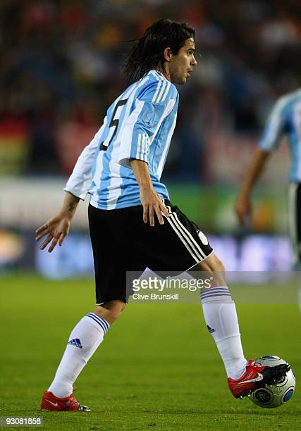 Fernando Gago of Argentina in action during the friendly International football match Spain against Argentina at the Vicente Calderon stadium in...