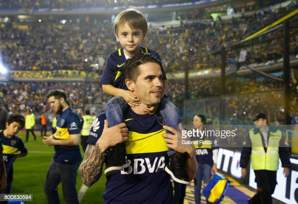 Fernando Gago of Boca Juniors celebrates the champions title after a match between Boca Juniors and Union as part of Torneo Primera Division 2016/17...