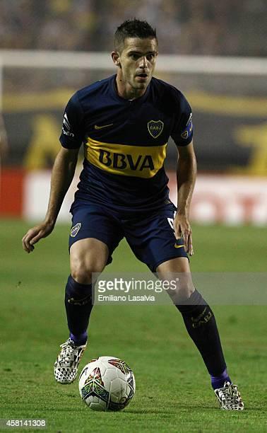 Fernando Gago of Boca Juniors controls the ball during a first leg match between Boca Juniors and Cerro Porte–ño as part of quarter finals of Copa...