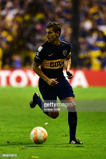 Fernando Gago of Boca Juniors drives the ball during a match between Boca Juniors and Montevideo Wanderers as part of Copa Bridgestone Libertadores...
