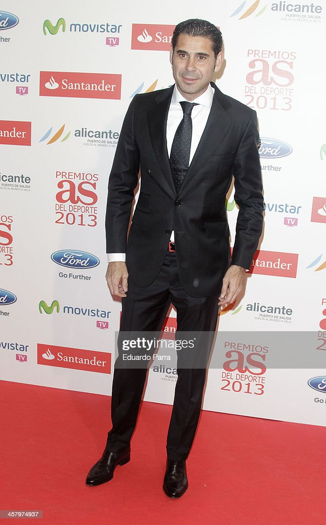 <a gi-track='captionPersonalityLinkClicked' href=/galleries/search?phrase=Fernando+Hierro&family=editorial&specificpeople=204337 ng-click='$event.stopPropagation()'>Fernando Hierro</a> attends 'As del deporte' awards 2013 photocall at Palace hotel on December 19, 2013 in Madrid, Spain.