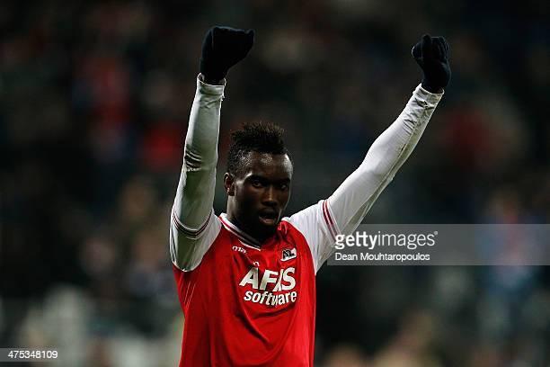 Fernando Lewis of AZ celebrates after the final whistle during the UEFA Europa League Round of 32 match between AZ Alkmaar and FC Slovan Liberec at...
