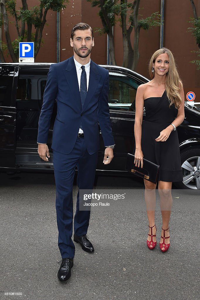<a gi-track='captionPersonalityLinkClicked' href=/galleries/search?phrase=Fernando+Llorente&family=editorial&specificpeople=2108120 ng-click='$event.stopPropagation()'>Fernando Llorente</a> and Maria Lorente attend the Emporio Armani show during Milan Menswear Fashion Week Spring Summer 2015 on June 23, 2014 in Milan, Italy.