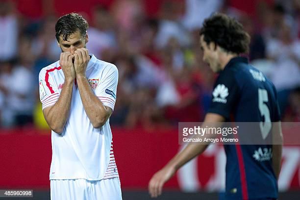 Fernando Llorente of Sevilla FC reacts as he fail to score during the La Liga match between Sevilla FC and Club Atletico de Madrid at Estadio Ramon...