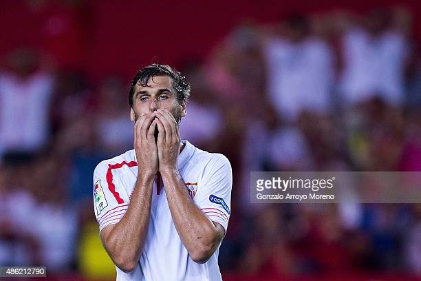 Fernando Llorente of Sevilla FC reacts as he fail to score during the La Liga match between Sevilla FC and Club Atletico de Madrid at Estadio Ramon...