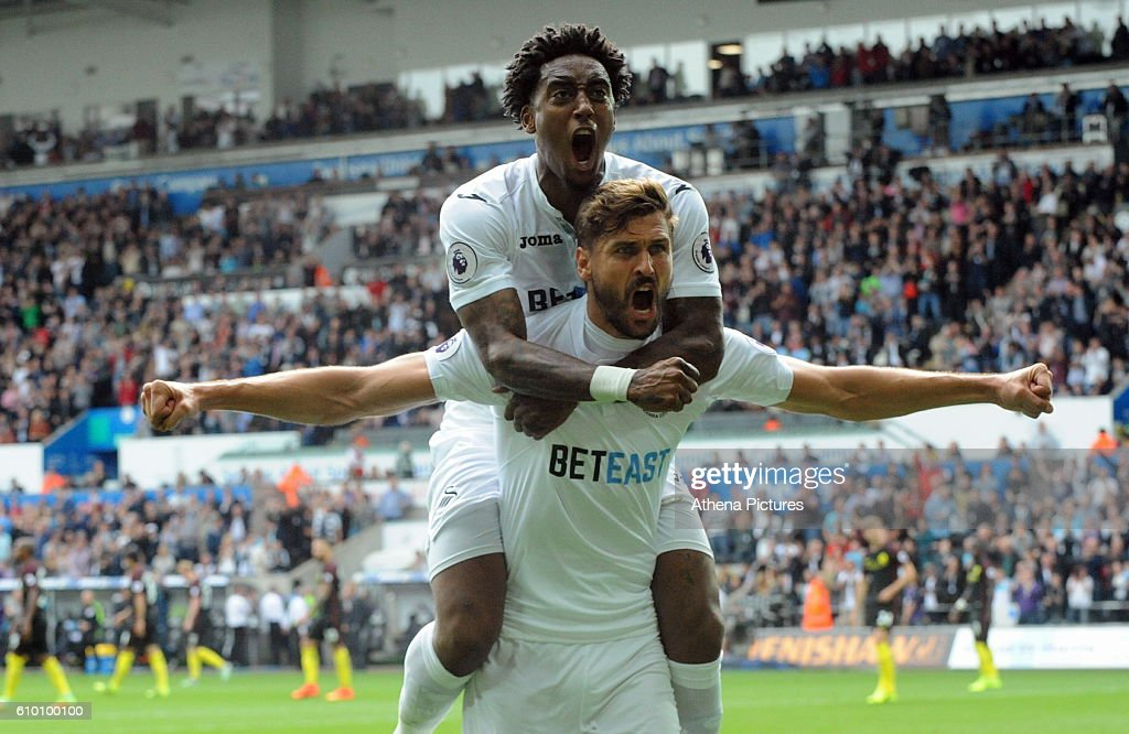 Swansea City v Manchester City - Premier League : News Photo
