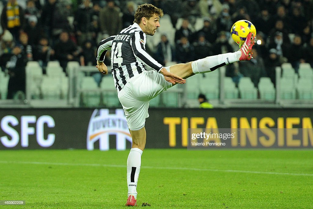 Fernando Lorente of Juventus controls the ball during the Serie A match between Juventus and Udinese Calcio at Juventus Arena on December 1, 2013 in Turin, Italy.