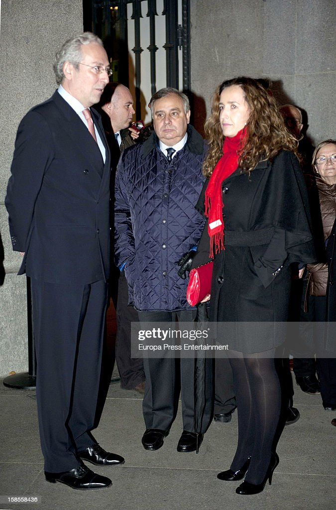 Fernando Martinez de Irujo (C) attends 'El Legado Casa de Alba' art exhibition at Palacio Cibeles on December 18, 2012 in Madrid, Spain.