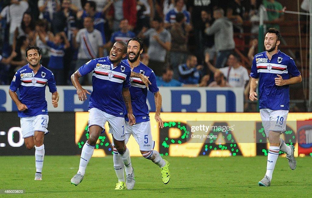 Fernando of UC Sampdoria celebrates with team mates after scoring his side fifth goal goal during the Serie A match between UC Sampdoria and Carpi FC...