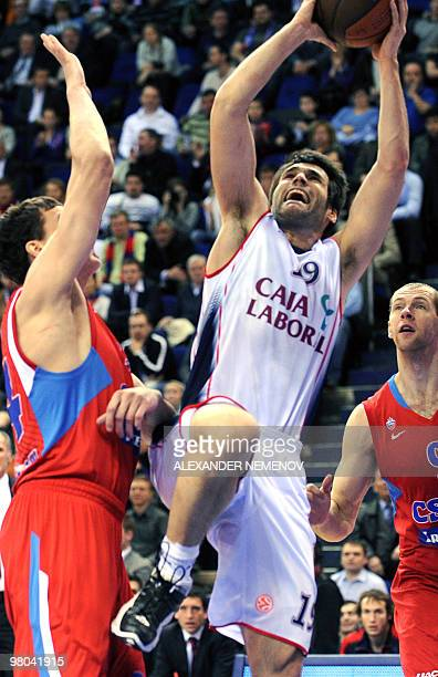 Fernando San Emeterio of Caja Laboral vies with CSKA's basket during their second Euroleague quarterfinal playoff game in Moscow on March 25 2010 AFP...