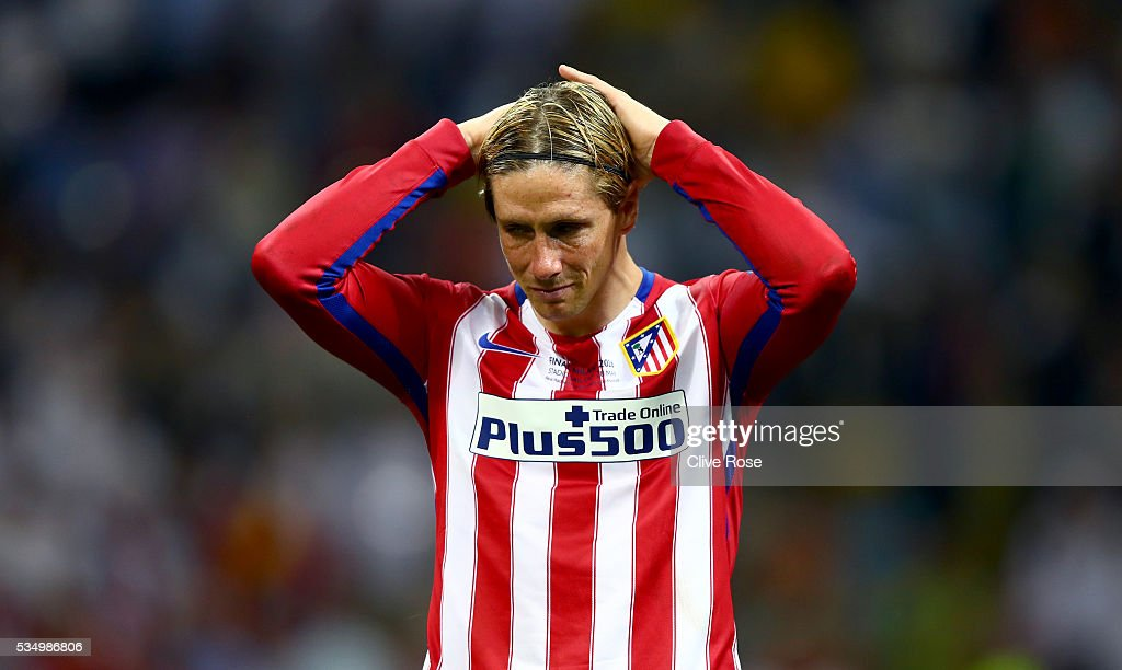 <a gi-track='captionPersonalityLinkClicked' href=/galleries/search?phrase=Fernando+Torres&family=editorial&specificpeople=194755 ng-click='$event.stopPropagation()'>Fernando Torres</a> of Atletico Madrid cries after losing the UEFA Champions League Final match between Real Madrid and Club Atletico de Madrid at Stadio Giuseppe Meazza on May 28, 2016 in Milan, Italy.
