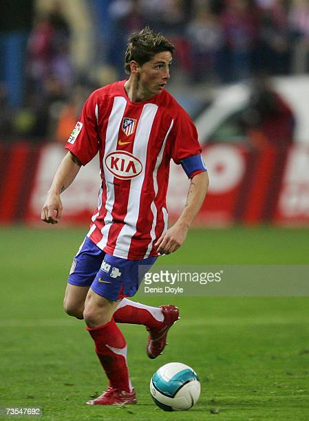 Fernando Torres of Atletico Madrid looks to pass during the Primera Liga match between Atletico Madrid and Deportivo La Coruna at the Vicente...