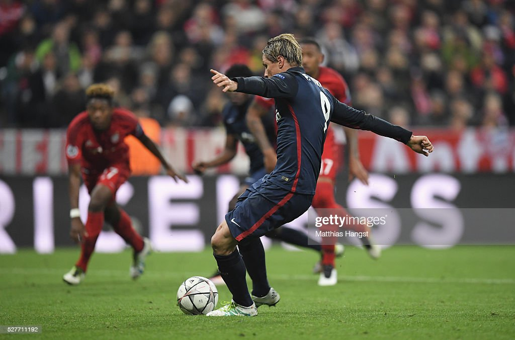 Fernando Torres of Atletico Madrid misses as penalty kick as Manuel Neuer of Bayern Munich (not pictured) saves during UEFA Champions League semi final second leg match between FC Bayern Muenchen and Club Atletico de Madrid at Allianz Arena on May 3, 2016 in Munich, Germany.