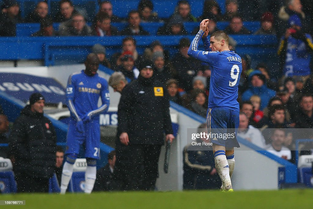 Fernando Torres of Chelsea applauds the crowd as he is replaced by substitute Demba Ba during the Barclays Premier League match between Chelsea and Arsenal at Stamford Bridge on January 20, 2013 in London, England.