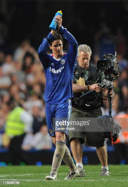 Fernando Torres of Chelsea applauds the fans after victory in the Barclays Premier League match between Chelsea and West Ham United at Stamford...