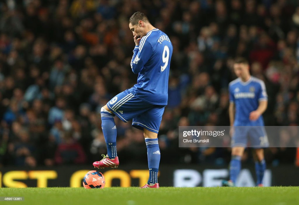<a gi-track='captionPersonalityLinkClicked' href=/galleries/search?phrase=Fernando+Torres&family=editorial&specificpeople=194755 ng-click='$event.stopPropagation()'>Fernando Torres</a> of Chelsea shows his dejection after Samir Nasri of Manchester City has scored the second goal during the FA Cup Fifth Round match sponsored by Budweiser between Manchester City and Chelsea at Etihad Stadium on February 15, 2014 in Manchester, England.