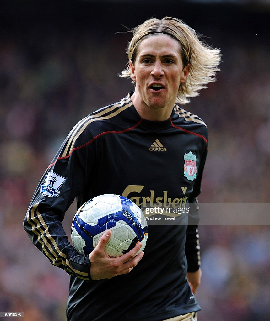 Fernando Torres of Liverpool screams at the referee during the Barclays Premier League match between Manchester United and Liverpool at Old Trafford on March 21, 2010 in Manchester, England.