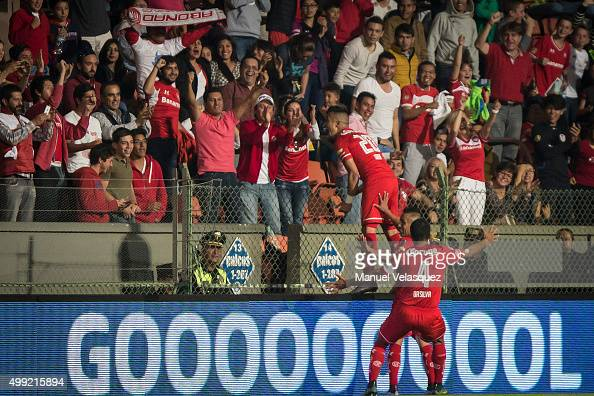 Fernando Uribe of Toluca celebrates after scoring the opening goal during the quarterfinals second leg match between Toluca and Puebla as part of the...