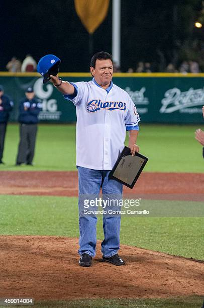 Fernando Valenzuela former pitcher of Los Angeles Dodgers is honored by The Charros de Jalisco baseball team during a match between Charros de...