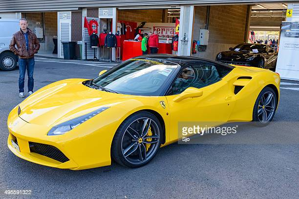 Ferrari 488 GTB sports car en el paddock