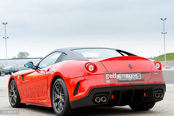 Ferrari 599 GTO V12 alto rendimiento de un coche de carreras
