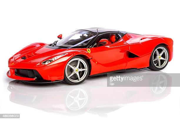Ferrari LaFerrari modello ibrido noleggio auto sportive