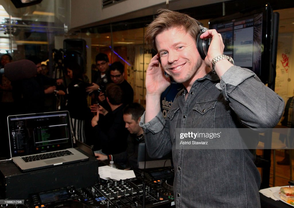 Ferry Corsten performs live for Electric Area's 'Electric Aquarium' series in the SiriusXM Studios December 29, 2012 in New York City.