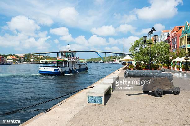 Ferry en Willemstad, Curacao