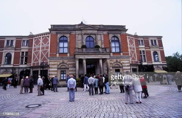 Festspielhaus In Bayreuth Vor Der Eröffnung Der 'Bayreuther Festspiele'