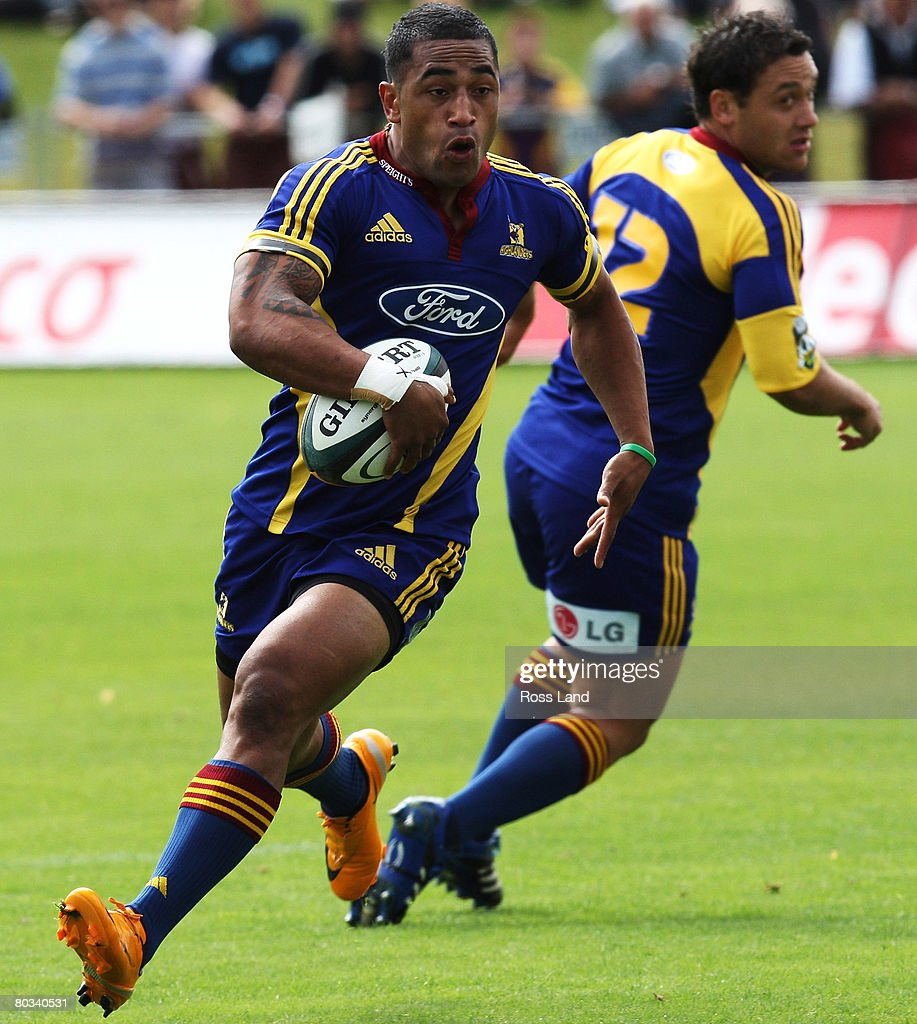 Fetu Vainikolo of the Highlanders makes a break during the round six Super 14 match between the Highlanders and the Western Force at the Queenstown...