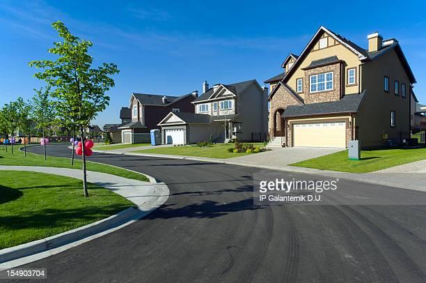 Paar vorstädtischen Häusern