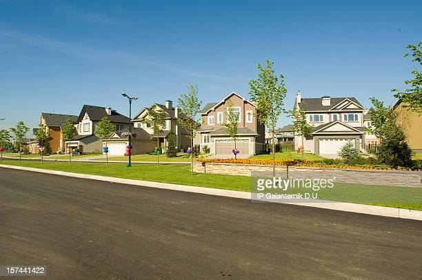 Algunos suburbana de sus casas.