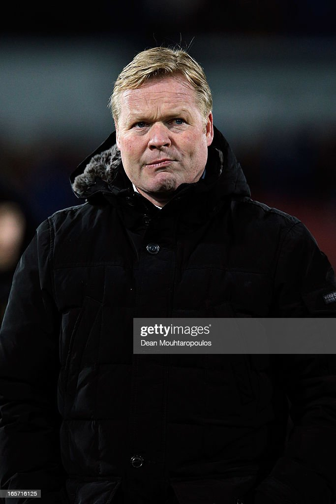 Feyenoord Manager, <a gi-track='captionPersonalityLinkClicked' href=/galleries/search?phrase=Ronald+Koeman&family=editorial&specificpeople=652522 ng-click='$event.stopPropagation()'>Ronald Koeman</a> thanks the fans after victory in the Eredivisie match between Feyenoord and VVV Venlo at De Kuip on April 5, 2013 in Rotterdam, Netherlands.