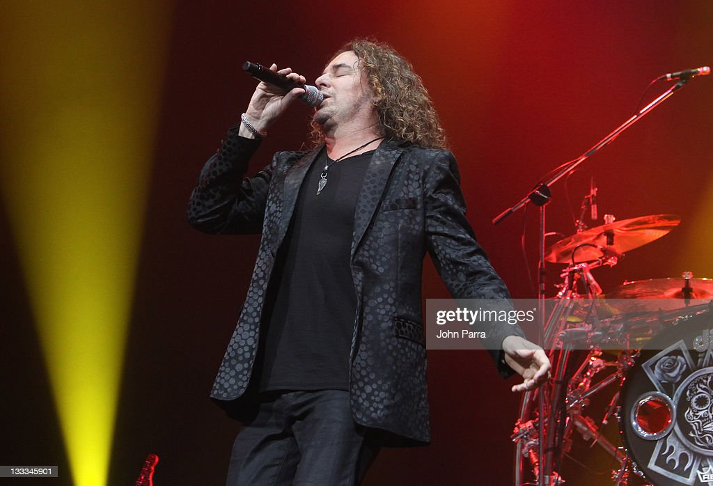 <a gi-track='captionPersonalityLinkClicked' href=/galleries/search?phrase=Fher+Olvera&family=editorial&specificpeople=2331075 ng-click='$event.stopPropagation()'>Fher Olvera</a> of Mana performs at American Airlines Arena on July 7, 2011 in Miami, Florida.