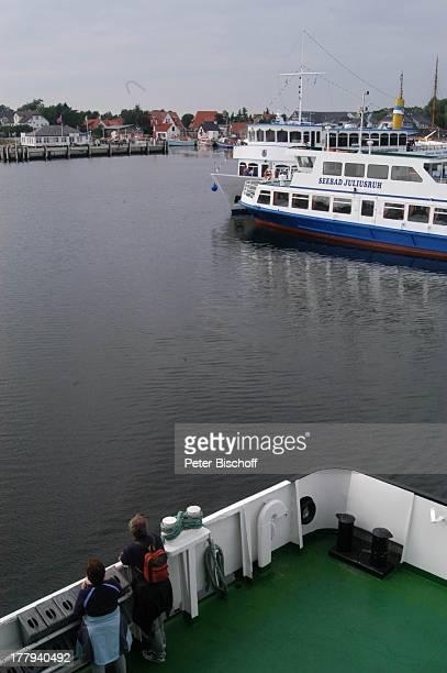 Fähren im Hafen Vitte Insel Hiddensee bei Insel Rügen MecklenburgVorpommern Deutschland Europa Ostseeinsel Ostsee Reise