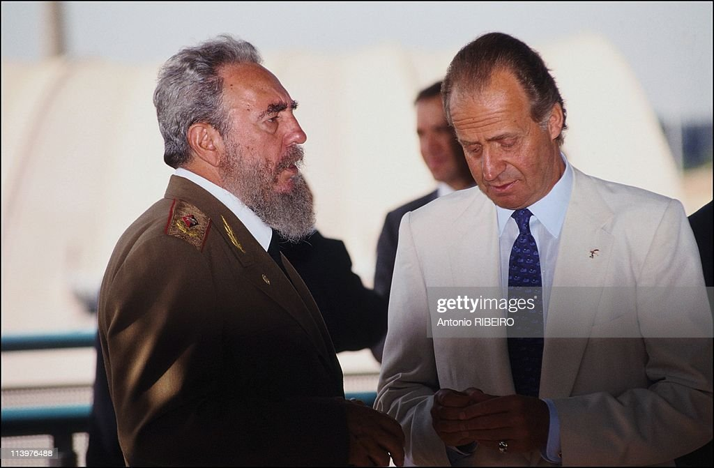 ¿Cuánto mide Fidel Castro? - Altura - Real height Fidel-castro-in-the-expo-92-in-seville-spain-on-july-26-1992-picture-id113976488