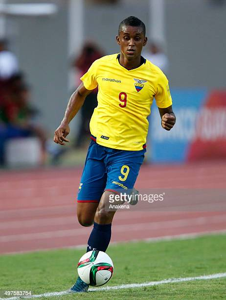 Fidel Martinez of Ecuador drives the ball during a match between Venezuela and Ecuador as part of FIFA 2018 World Cup Qualifiers at CTE Cachamay...