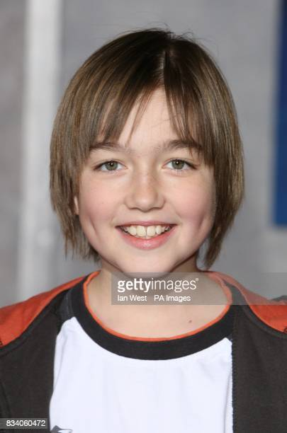 Field Cate arrives at the premiere for new film Hannah Montana and Miley CyrusBest of Both Worlds Concert at the El Capitan Theatre Los Angeles