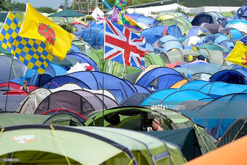 A field of tents is pictured on day four of the Glastonbury Festival of Music and Performing Arts on Worthy Farm near the village of Pilton in Somerset, South West England on June 25, 2016. / AFP / Andy Buchanan