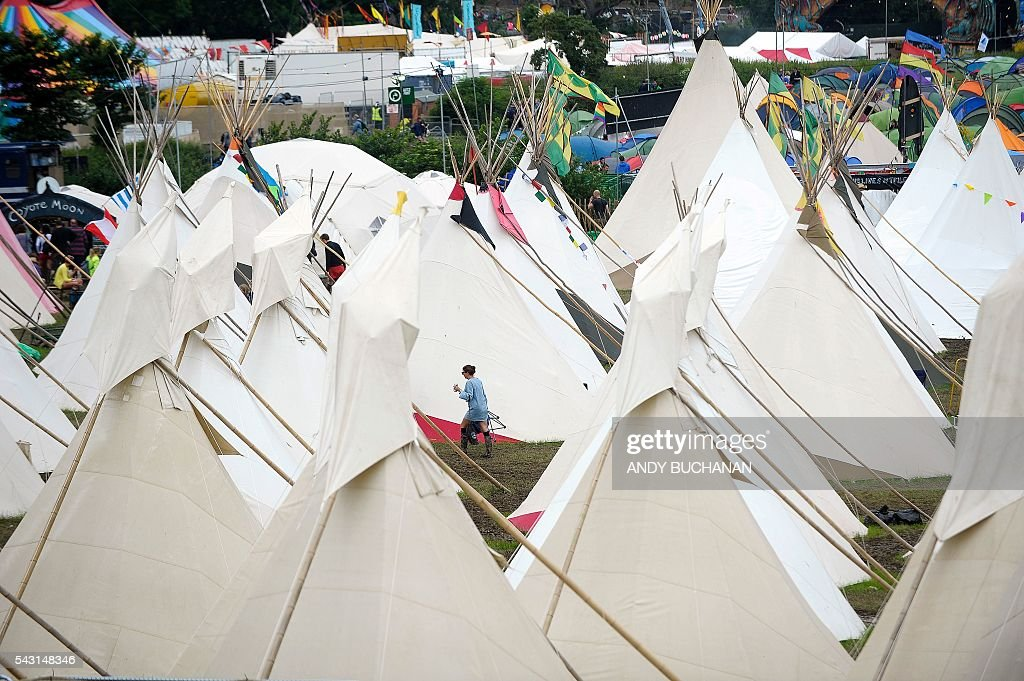 A field of tipis is pictured on day five of the Glastonbury Festival of Music and Performing Arts on Worthy Farm near the village of Pilton in Somerset, South West England on June 26, 2016. / AFP / Andy Buchanan