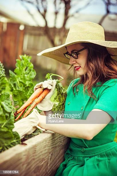 Style femme jardinage années 50