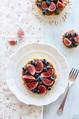 Fig and blueberry tarte
