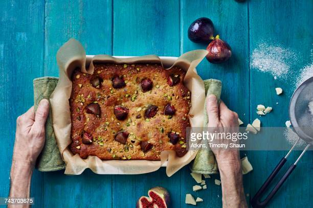 Fig and pistachio tray bake cake