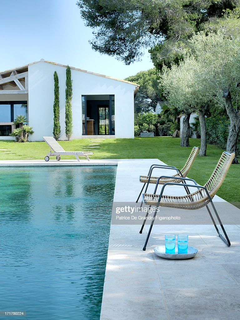 104642-002. A holiday home designed by architect Pierre Yovanovitch is photographed for Madame Figaro on May 1, 2013 in St Tropez, France. PUBLISHED IMAGE.