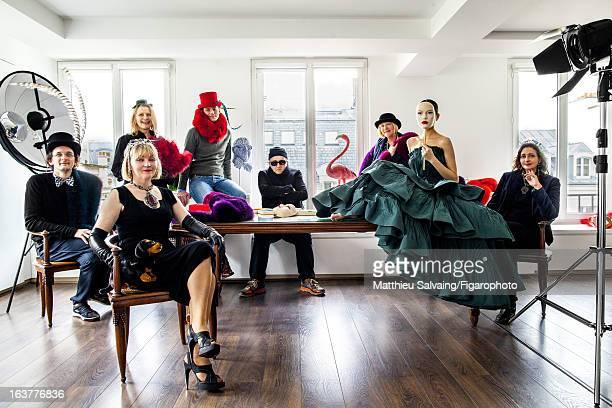 Figaro ID 105895002 Fashion designer for Lanvin Alber Elbaz and six of his studio designers Bastide Bogusia Beatrice Willem Alber Elbaz Isabel and...