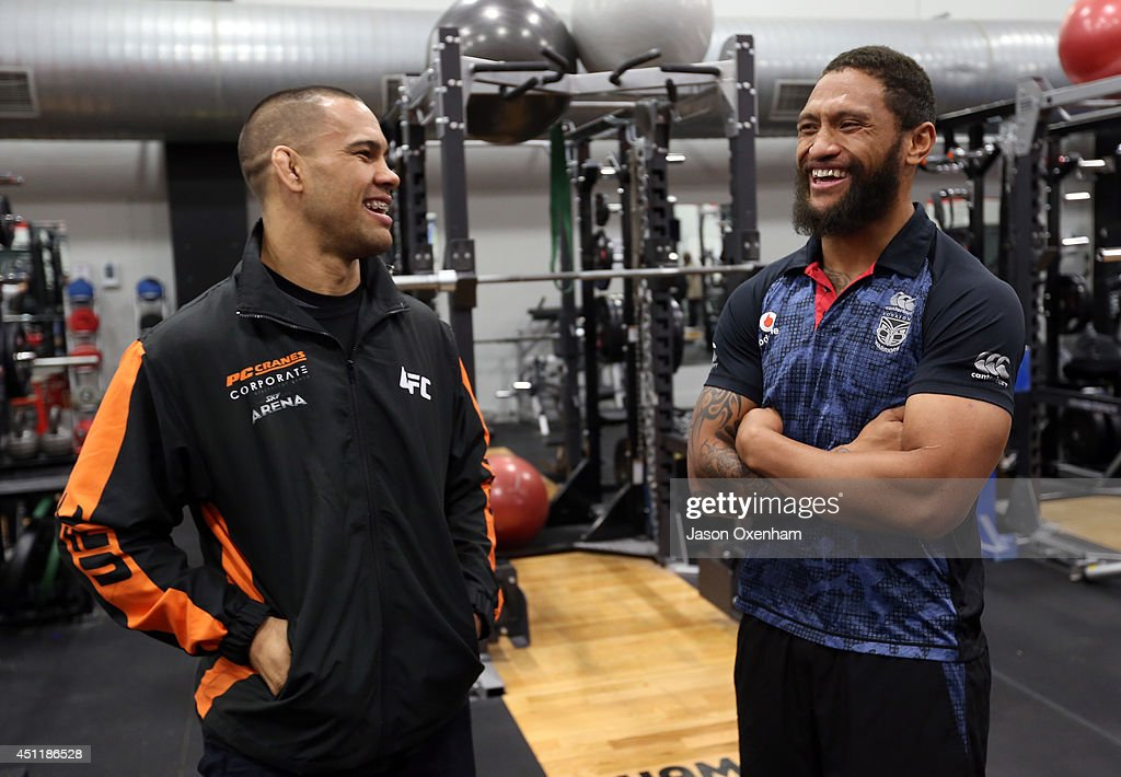 UFC Fighters Join New Zealand Warriors Training Session