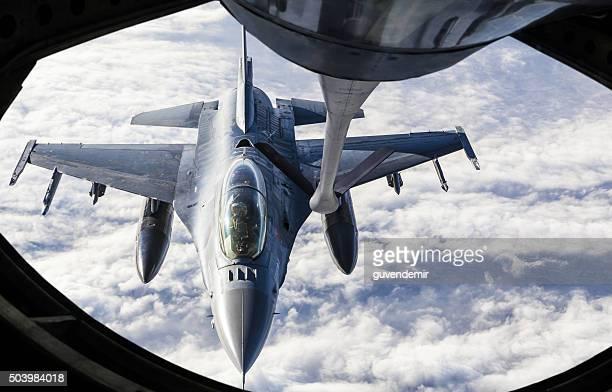 Fighter Jet faire le plein d'essence